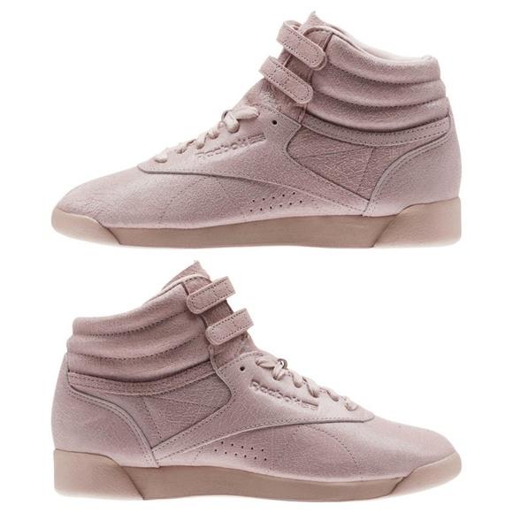 51276e8964d54f NWOT Reebok Shell Pink Freestyle Hi FBT Sneakers. M 5b91fe112beb796235f25fd5